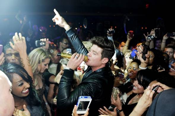 142951557DT001_Rob_Thicke_P