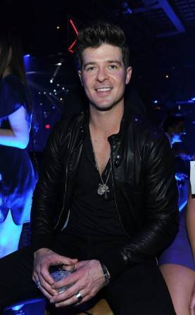 142951557DT017_Rob_Thicke_P