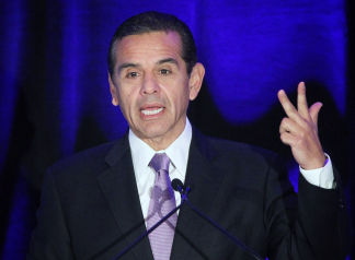 Haute 100 Los Angeles Update: LA Mayor Antonio Villaraigosa Wants Increase in Anti-Gang Funds