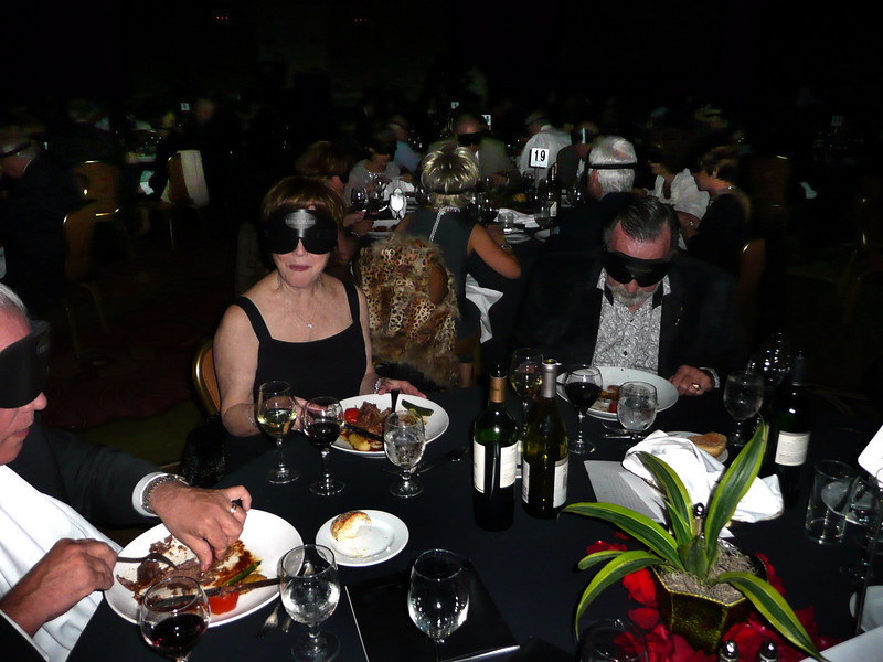 """Dining in the Dark"" Raises Funds For Foundation"