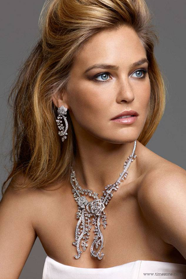 Haute Couture: Bar Refaeli is New Face of Piaget Rose Collection 2012