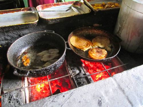 Local cooking at the Plasa Bieu in Punda - Fried Mackerel and Pumpkin Pancakes