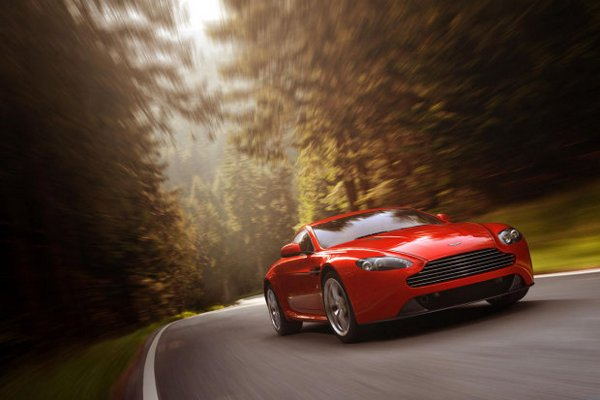 New Aston Martin V8 Vantage Unveiled at Geneva Motor Show