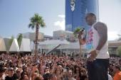 Busta Rhymes performs at the Palms Pool & Bungalows.