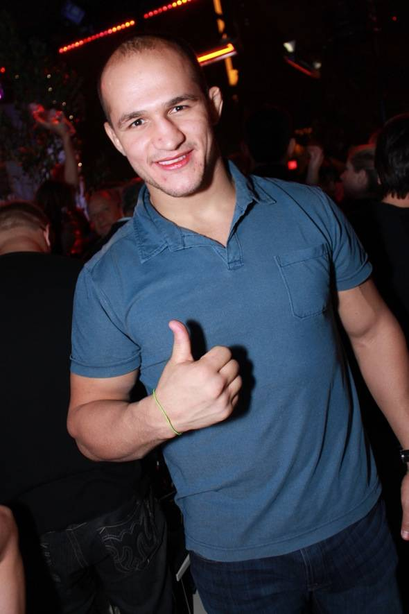 Junior Dos Santos gives thumbs up