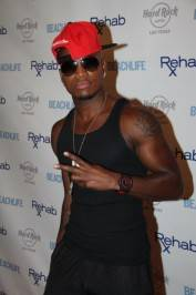 Ne-Yo on the red carpet at Rehab.