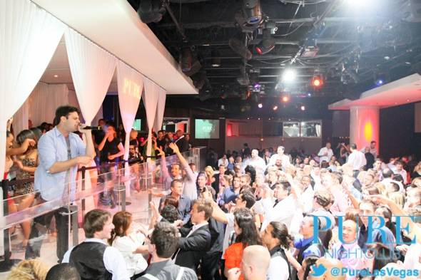 PURE Nightclub_Outasight Performance-Crowd