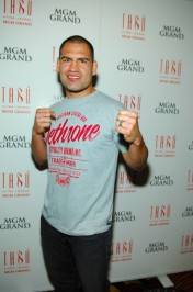 Cain Velasquez on the red carpet at Tabú.