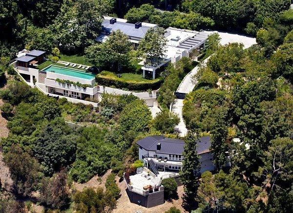 Ellen DeGeneres Sells Beverly Hills Home to Ryan Seacrest for $37 M