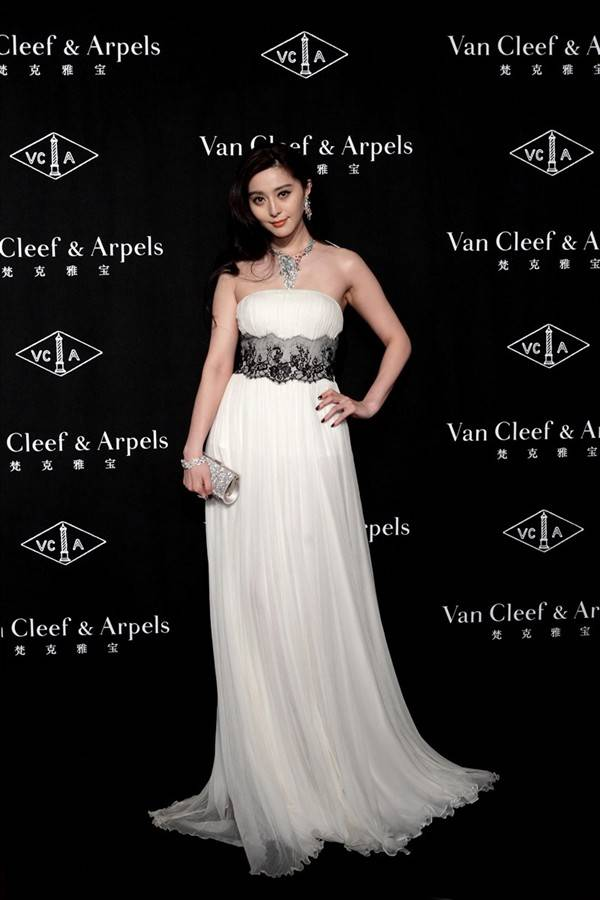 timeless-beauty-van-cleef-arpels-in-shanghai_3