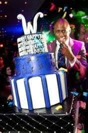 Wayne Brady with his birthday cake at 1 OAK.