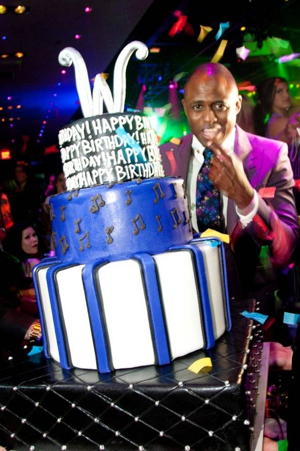Wayne Brady and Birthday Cake 1 OAK 6.2.12
