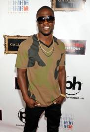Actor/comedian Kevin Hart arrives to celebrate his birthday at the Gallery Nightclub. Photos by David Becker/WireImage