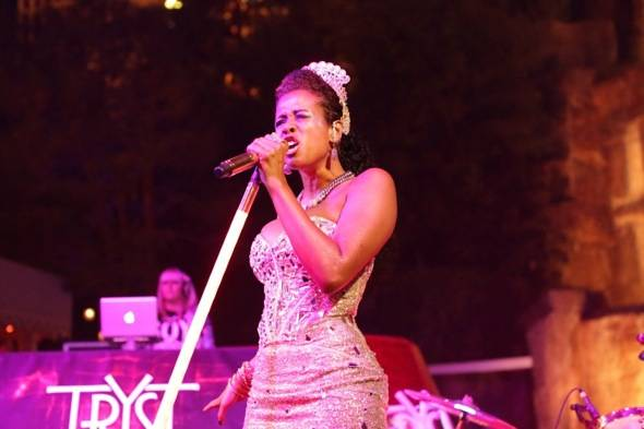 Tryst - Kelis - performance - 7.27.12