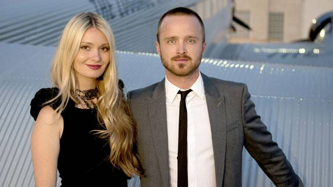 aaron_paul_luggage_a_l