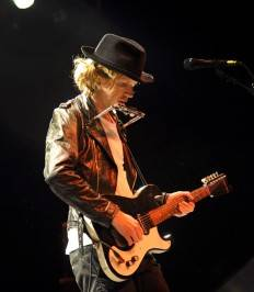 Beck Performing at The Pearl