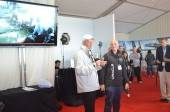 Tom Ehman sharing the Oracle Team Coutts crash video at Oracle Innovation Lounge.