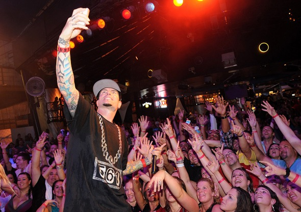Vanilla Ice Crowd