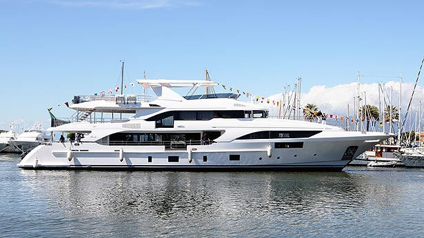 benetti-classic-132-yacht