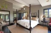 sheryl-crow-house-mansion-inside-photos-019-480w