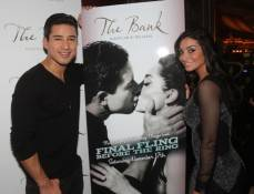Mario Lopez and Courtney Mazza at The Bank Nightclub. Photos: The Light Group