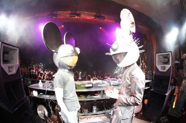 XS - Kat Von D and deadmau5