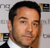 Jeremy Piven to Flip Switch on InterContinental Miami's 19-Story Digital Canvas