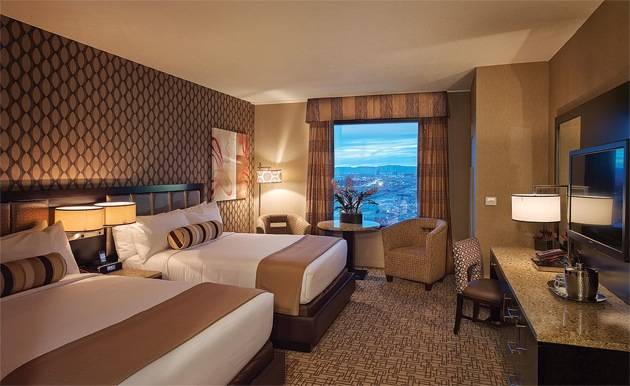 The Golden Nugget Adds 74 Gold Club Rooms To The Rush Tower Haute Living