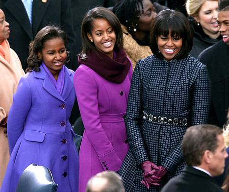 1358786487_sasha-malia-michelle-obama-4671