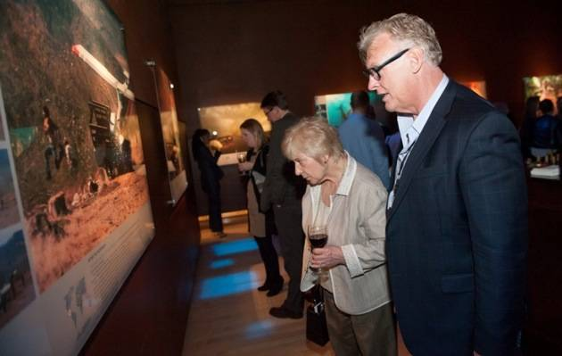 Guests at '50 Greatest Photographs of National Geographic,' 2013 Tom Donoghue Photography & Imagine Exhibitions Inc.
