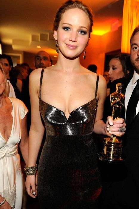 item80.rendition.slideshowWideVertical.07-Jennifer-Lawrence