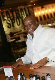 Frank Thomas talks with fans at Meatball Spot.