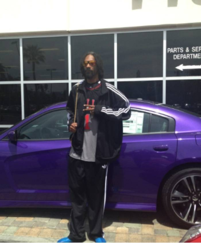 Celebrity Spotting: Snoop Dogg Does Some Car Shopping At