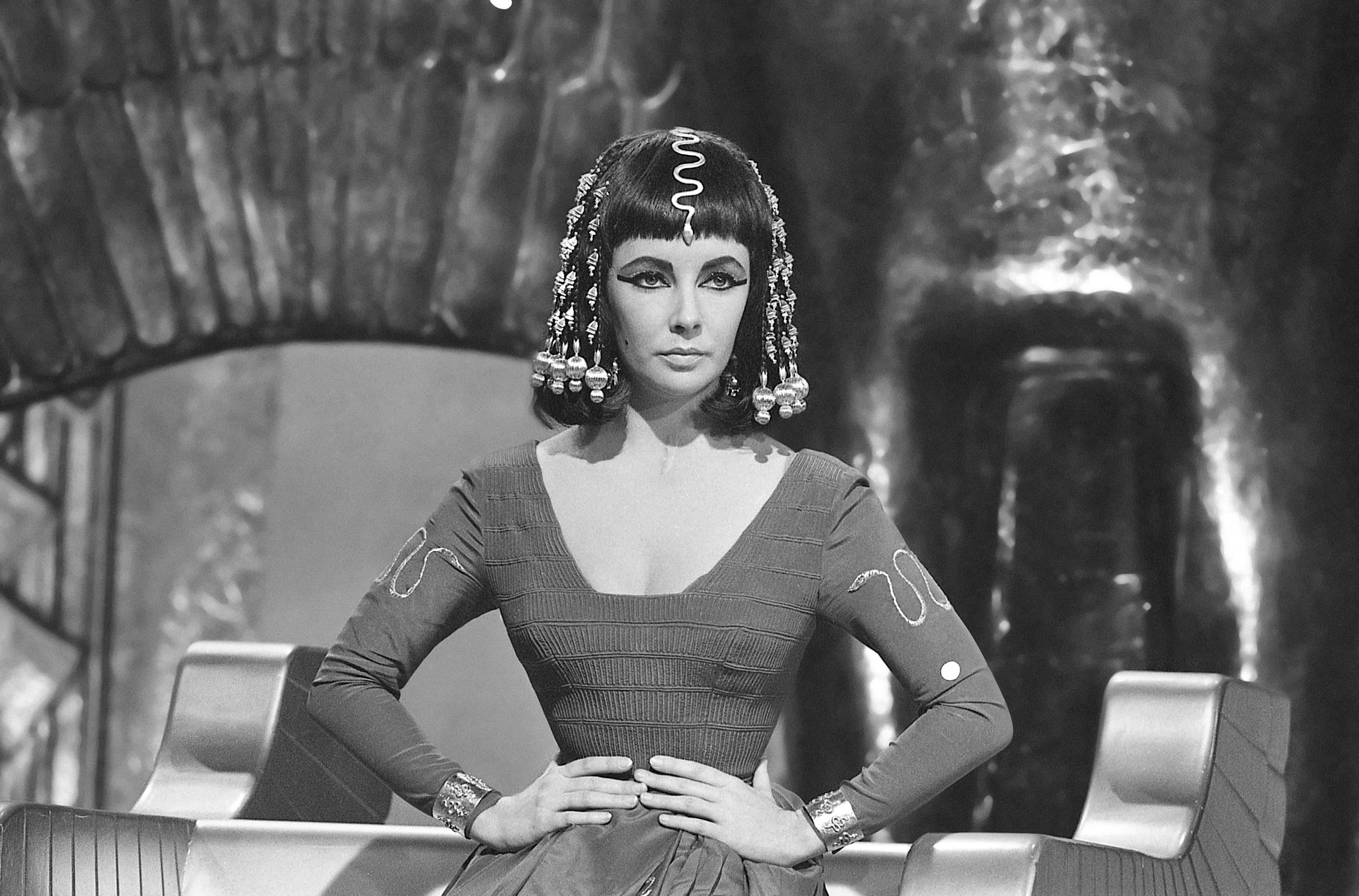 Elizabeth Taylor as Cleopatra_2 (1)