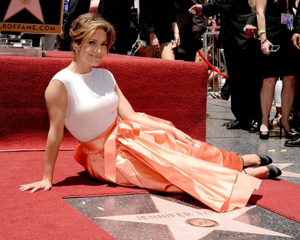 jennifer-lopez-hollywood-walk-of-fame-slideshow