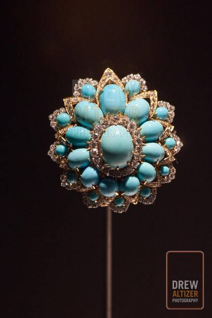 Brooch,1969, Platinum with turquoise and diamonds Photo: