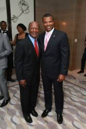 Jesse White, Kenny Williams