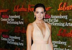 Camilla Belle - Van Cleef  Arpels - Photo by Jon Kopaloff  - Film Magic Getty Images 185174781