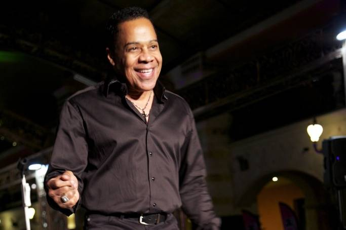 Earl Turner Performs at Easter Seals Nevada's Cheers to Chocolate