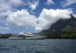 Lady-Christine_South-Pacific_yacht-charter