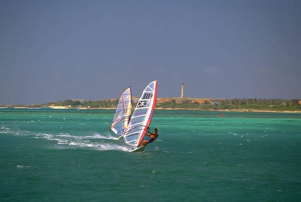windsurfing2-Aruba---fotoseeker.com