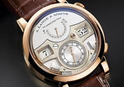 lange striking beauty