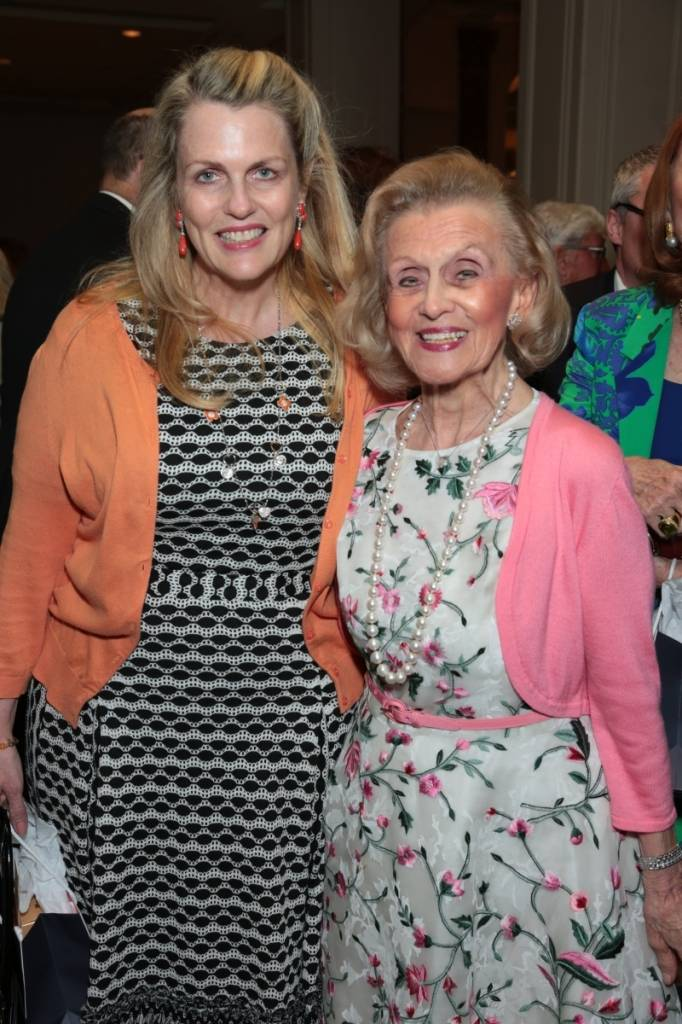 Barbara and Nancy Davis