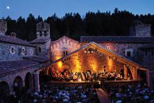 Concert-at-Castello-di-Amorosa-at-Festival-Del-Sole-2013-CREDIT-Vi-Bottaro