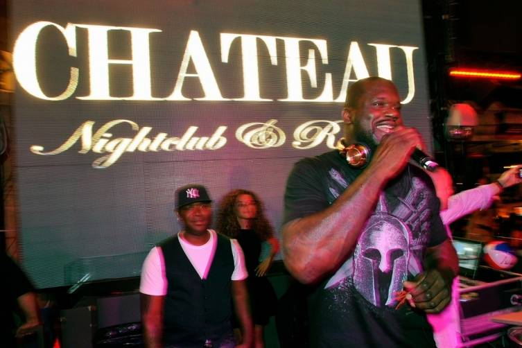 Shaq on the mic at Chateau Nightclub & Rooftop