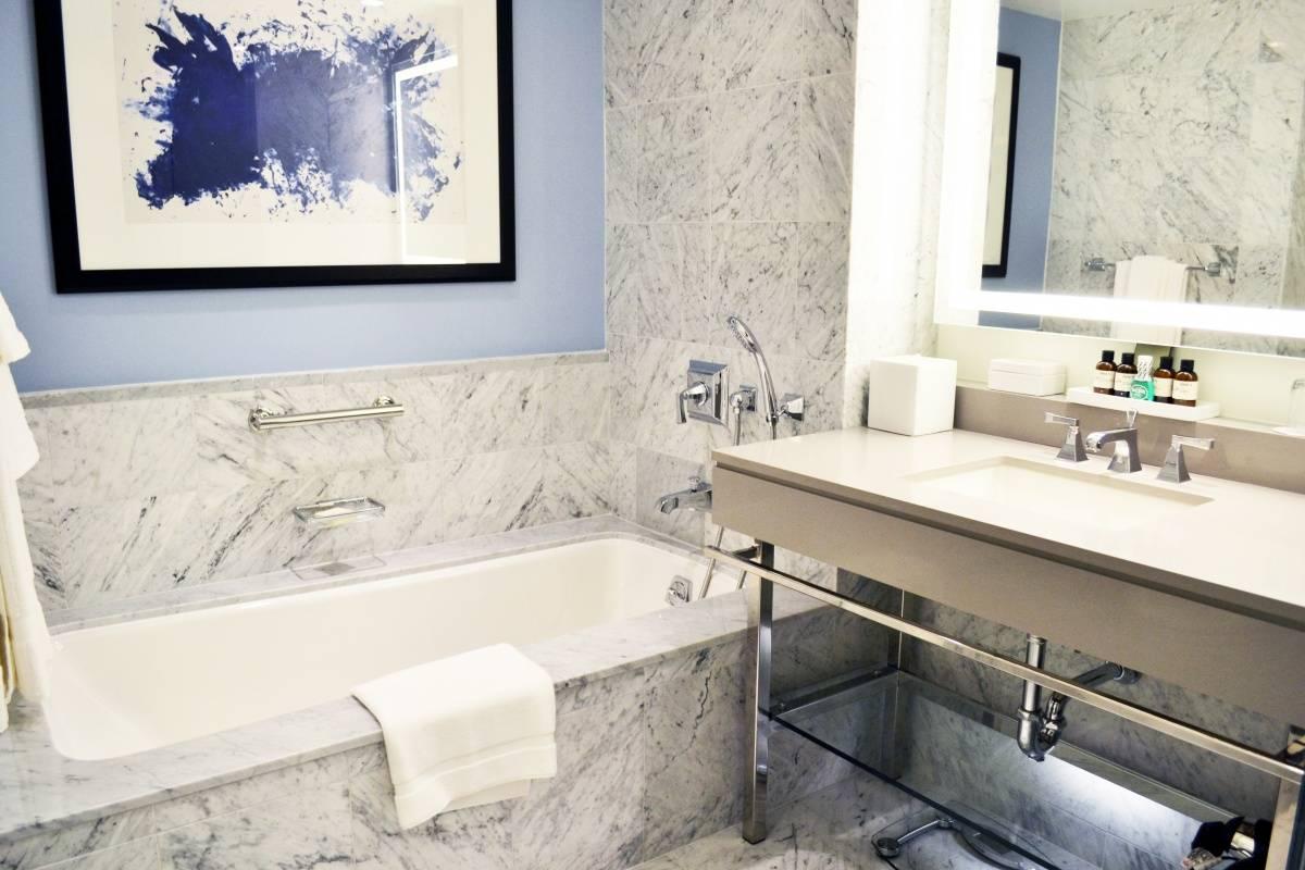 Fairmont Hamilton Princess – One-Bedroom Suite Bath