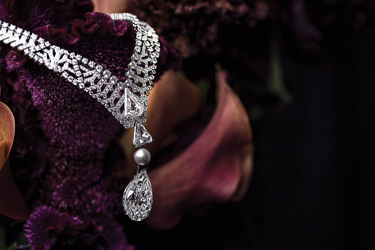 Necklace Biennale 2014. Platinium, pear-shaped diamond, natural pearl, brilliant-cut diamonds.