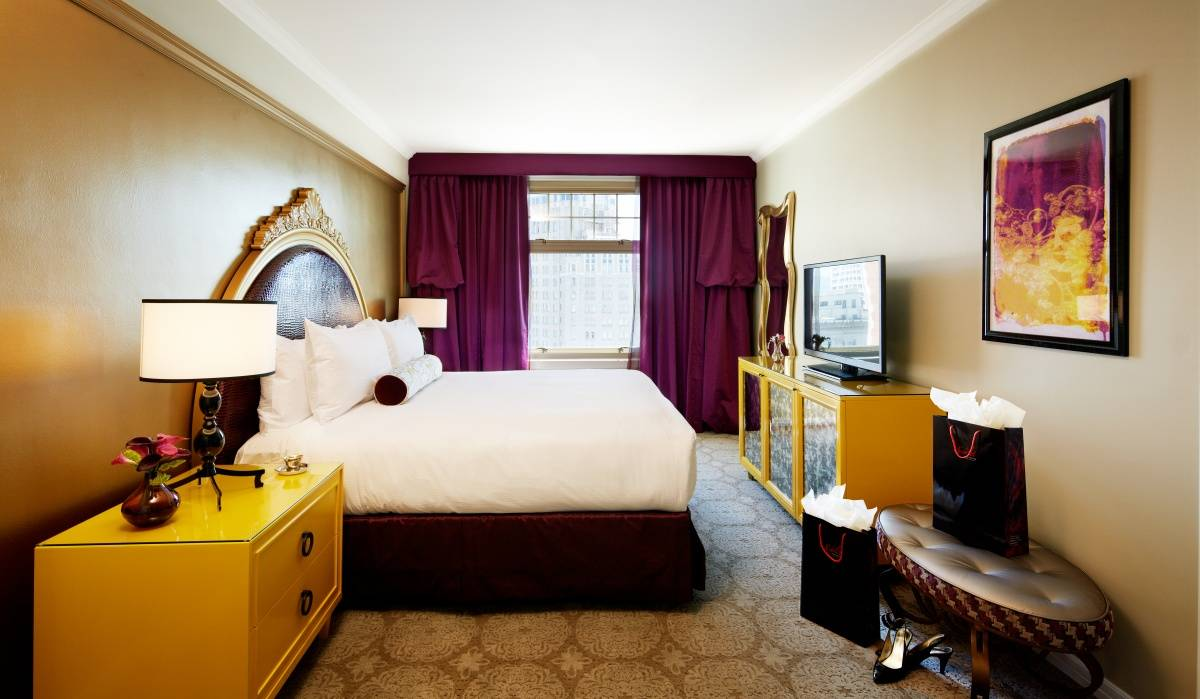 Nob hill 39 s huntington hotel gets a 15 million face lift for Opulent bedrooms