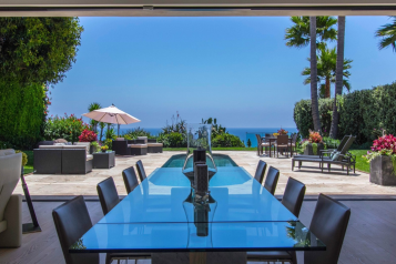 Sotheby's International Realty: Incredible Contemporary Home