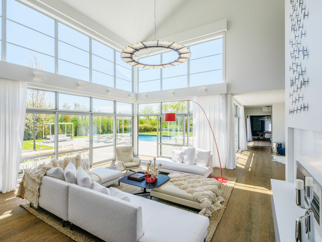 Chic Modern Barn in the Hamptons